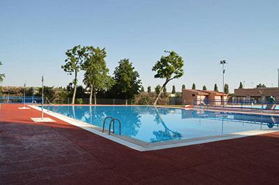 Vista general del recinto de la piscina. Fotografía: Álvaro Díaz Villamil/ Ayuntamiento de Azuqueca de Henares