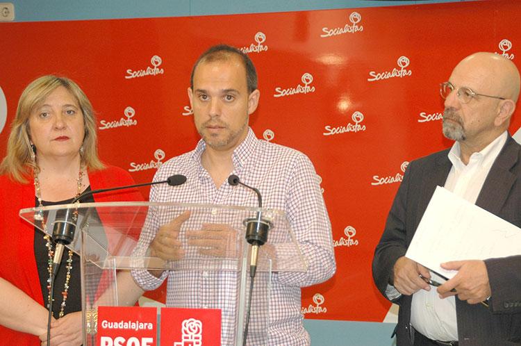 Bellido y Serrano durante la presentación de los actos