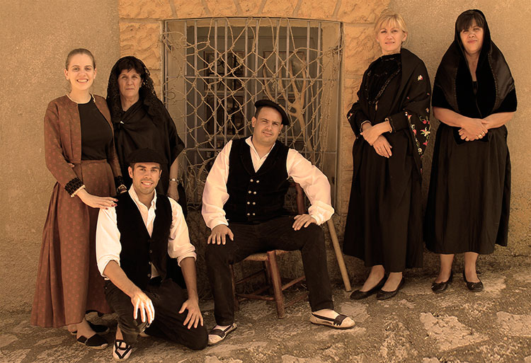 Por cuarto años consecutivo en Riba de Saelices se verá la indumentaria popular de la zona (Foto: Silvia Abánades)