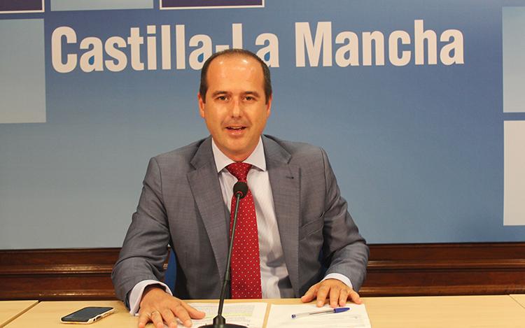 Alberto Rojo en la rueda de prensa donde ha echo balance de los dos años de gobierno regional