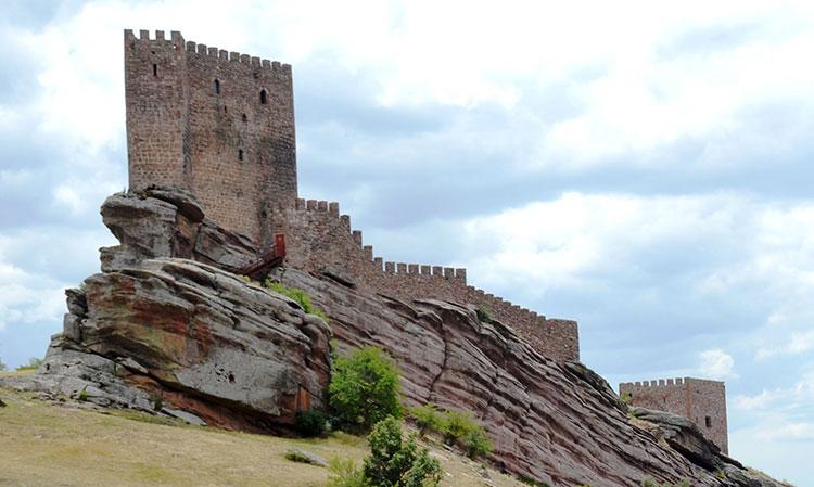 El Castillo de Zafra, uno de los más visitados por su aparición en la serie Juego de Tronos