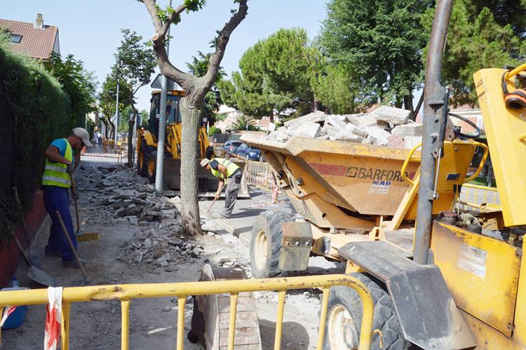 Los trabajos han comenzado en la zona más próxima a la calle Jadraque. Fotografía: Álvaro Díaz Villamil / Ayuntamiento de Azuqueca