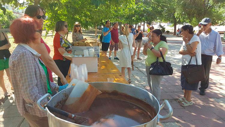 Chocolatada en las fiestas de Cabanillas