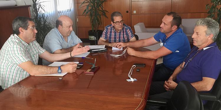 Santos López se reúne con la nueva junta directiva de la D.O. Mondéjar