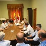 """Los alcaldes populares ribereños reclaman a Page """"agua e inversiones"""""""