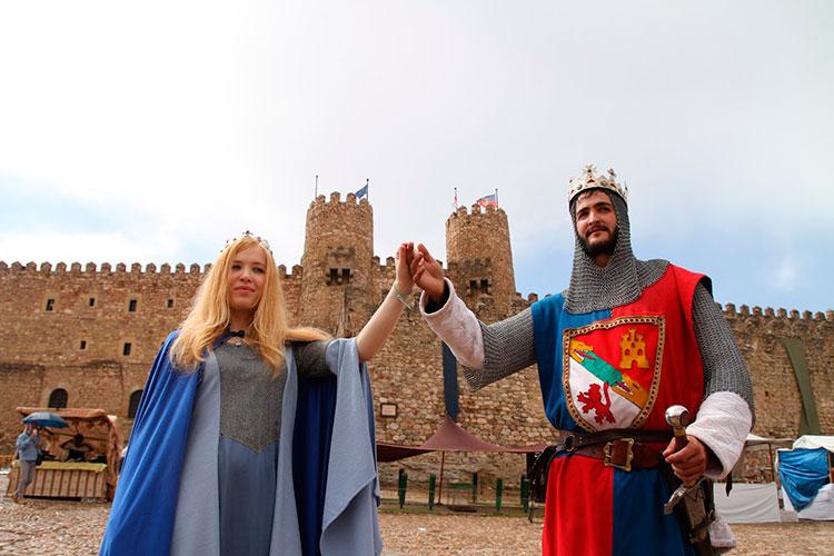 Don Pedro I el Cruel y doña Blanca de Borbón a las puertas del castillo seguntino