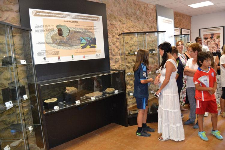 Un momento de la inauguración del Centro de Interpretación del Estratotipo de Fuentelsaz