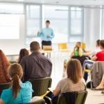 Los 'profes' recibirán hasta 1750 euros para aprender inglés fuera
