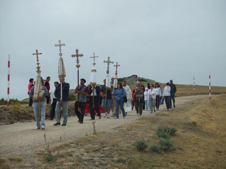 Cruces parroquiales participantes en la Romería del Alto Rey