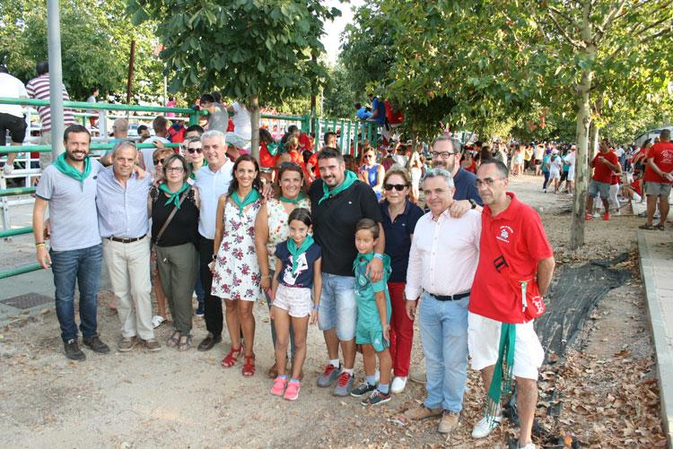La Consejera de Fomento Agustina García Élez en su visita a Marchamalo donde ha anunciado las obras de mejora de la carretera