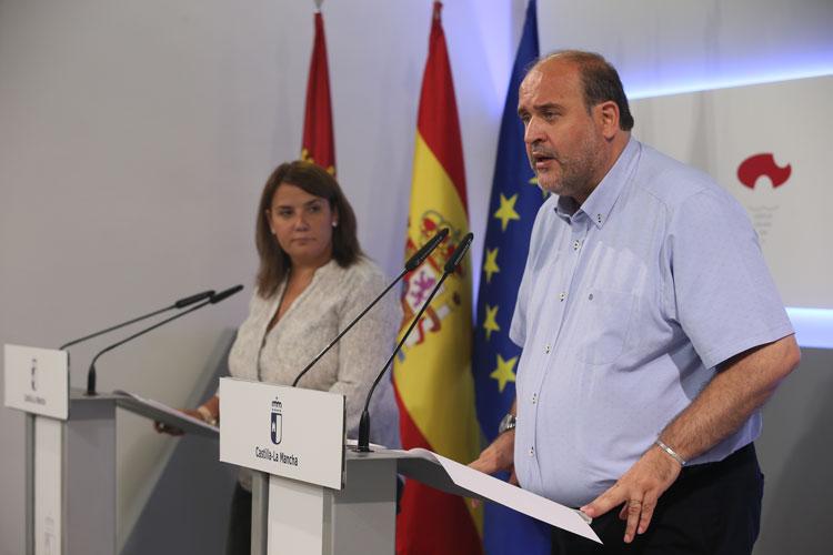 Martínez Guijarro da cuenta de la remodelación del Gobierno Regional con la entrada de Podemos