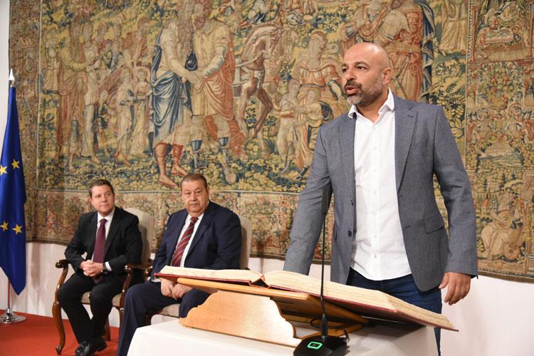 Un momento de la toma de posesión de José García Molina  como nuevo vicepresidente el Gobierno Regional