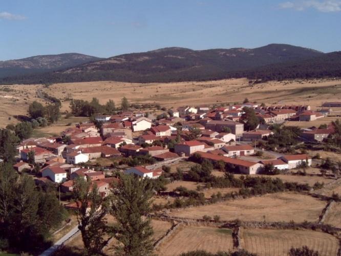 Vista general de Galve de Sorbe desde el castillo. // Foto: Raúl Conde.