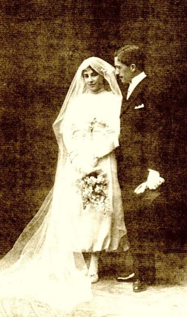 Carmen Bueno y Francisco Layna, fotografiados por Franzem, el día de su boda