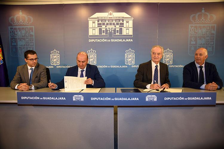 Firma del Convenio entre Diputación y CEOE-CEPYME