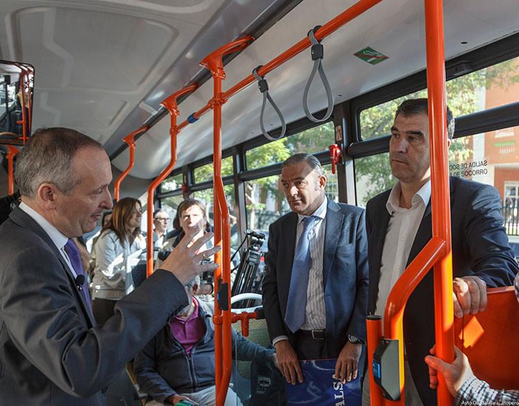Presentación del nuevo autobús urbano de la capital