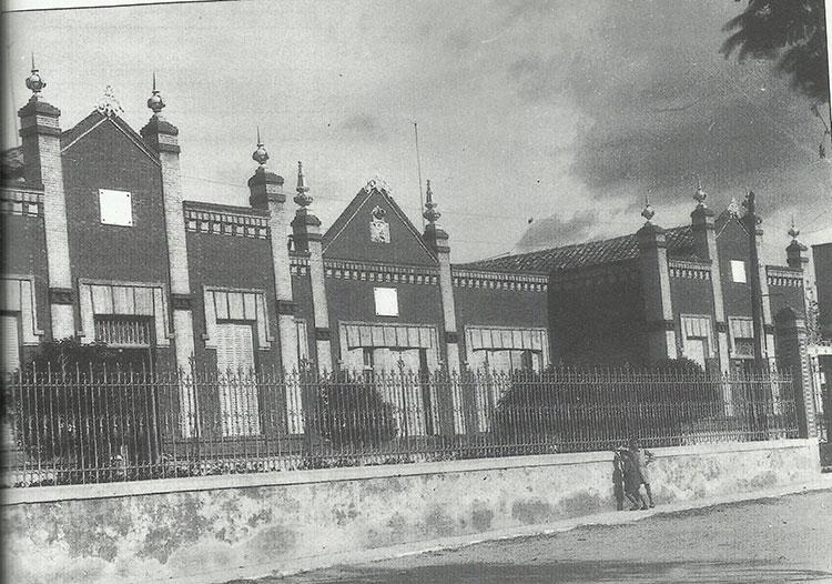 Guadalajara le dedicó un colegio, el Rufino Blanco