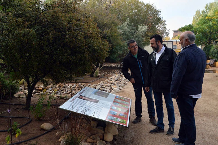José Luis Blanco vista la Reserva Ornitológica. Fotografías: Álvaro Díaz Villamil / Ayuntamiento de Azuqueca
