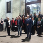 Un madroño y una placa recordarán a Buero Vallejo a las puertas de la Diputación