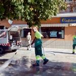 Azuqueca dispone de una nueva hidrolimpiadora para reforzar la limpieza de aceras y grafitis