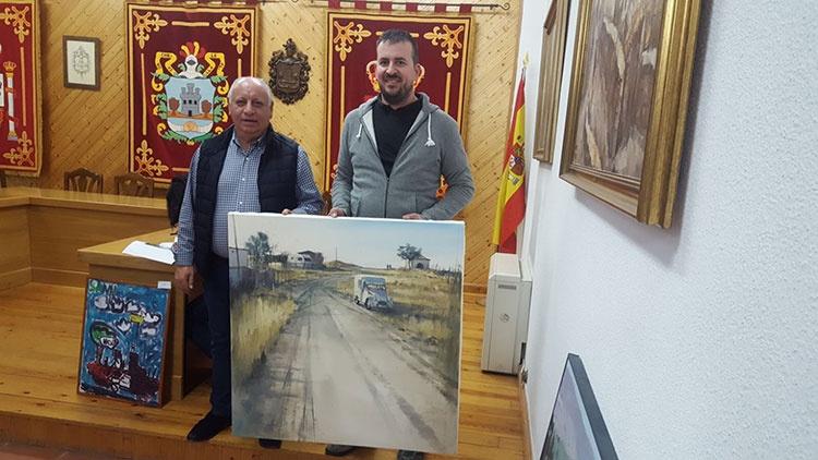 El ganador, Pablo Rubén López junto al alcalde Juan Manuel Moral