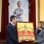 Guadalajara recibe la enseña nacional que ondeó el Día de las Fuerzas Armadas