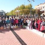 Los pequeños de Cabanillas celebran cantando su Día Internacional, con un acto en la Plaza del Pueblo