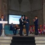 Mikel Ayestaran recibe en Brihuega el Premio Internacional de Periodismo 'Cátedra Manu Leguineche'