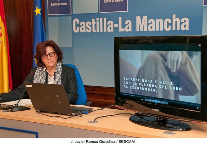 La directora provincial de Sanidad, Margarita Gascueña presenta la campaña de la gripe