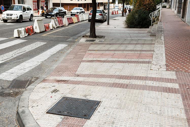 Detalle de las obras que se están ejecutando en la calle Sigüenza