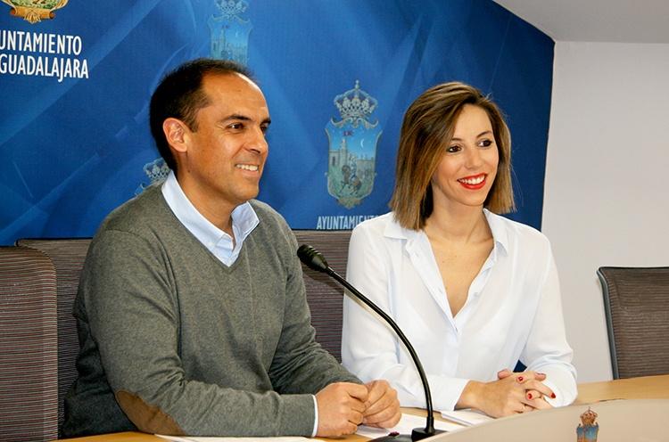 Daniel Jiménez y Lucía de Luz en la rueda de prensa