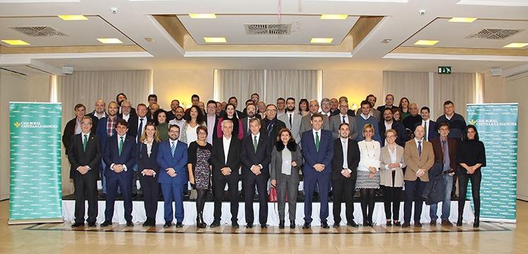Los directivos de la entidad con los directores de los medios de comunicación de la región