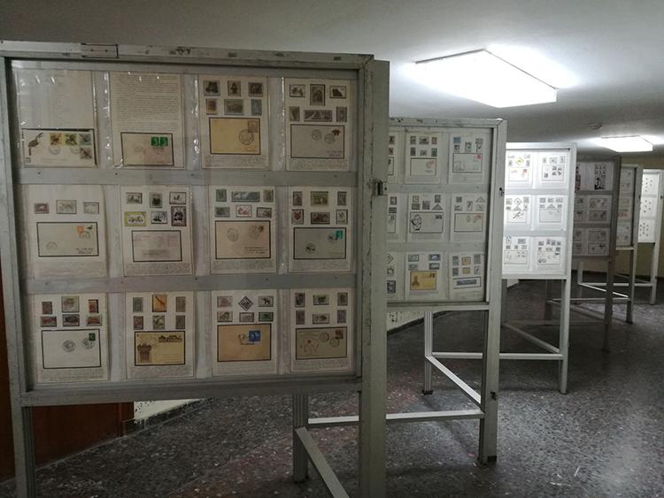 Una perspectiva de la exposición dedicada al Cardenal Cisneros