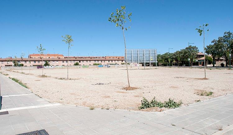 La parcela donde el ayuntamiento quiere construir la residencia de ancianos