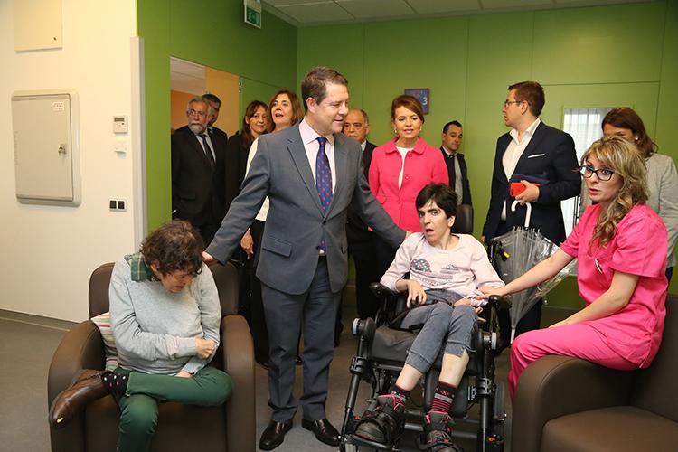 El presidente de Castilla-La Mancha, Emiliano García-Page, inaugura el Centro de Atención a Personas con Discapacidad Grave (CADIG) 'Aurelio de León'. (Fotos: José Ramón Márquez // JCCM)