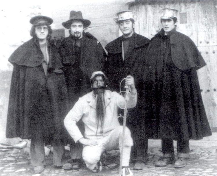 """""""Inocentes de Setiles"""". (del libro Fiestas tradicionales de Guadalajara, de José Ramón López de los Mozos)"""