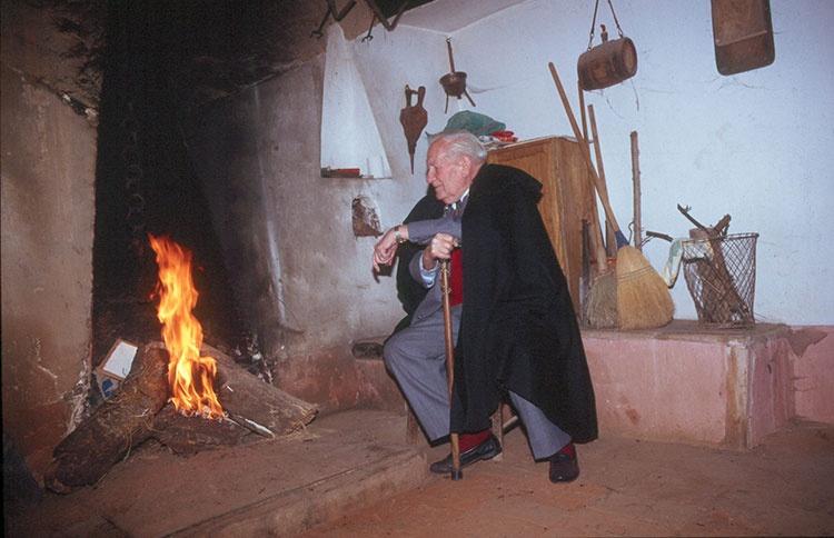 Sinforiano García Sanz en su casa de Robledillo de Mohernando