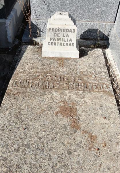 Sepultura en la que reposan los restos de Eduardo Contreras, en el cementerio de Jadraque