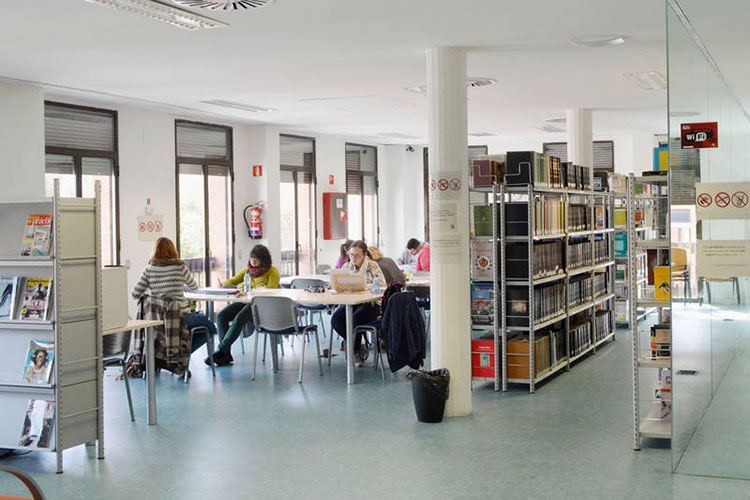 Imagen de archivo de la sala de estudio de la Biblioteca. Fotografía: Álvaro Díaz Villamil / Ayuntamiento de Azuqueca de Henares