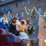 Los Magos de Oriente han traído ilusión y regalos a niños y mayores, y agua, a la Ciudad del Doncel