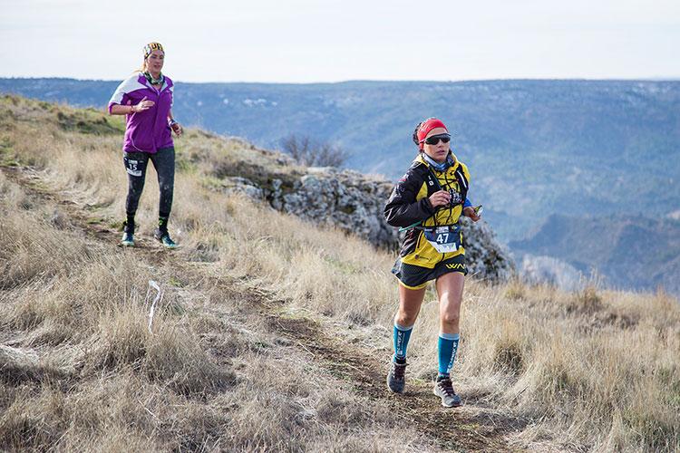 Participantes del Desafío X-Trail Trillo 2018 en plena carrera