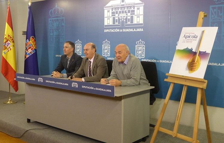 Un momento de la presentación de la nueva edición de la Feria Apícola de Pastrana