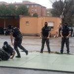 El cuerpo de élite GEO muestra al director general de la Policía su trabajo ante situaciones de riesgo