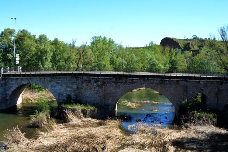 En río Henares a a su paso por Guadalajara