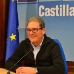 Santos López anima a los ganaderos a que pongan en marcha medidas para evitar los ataques de lobo