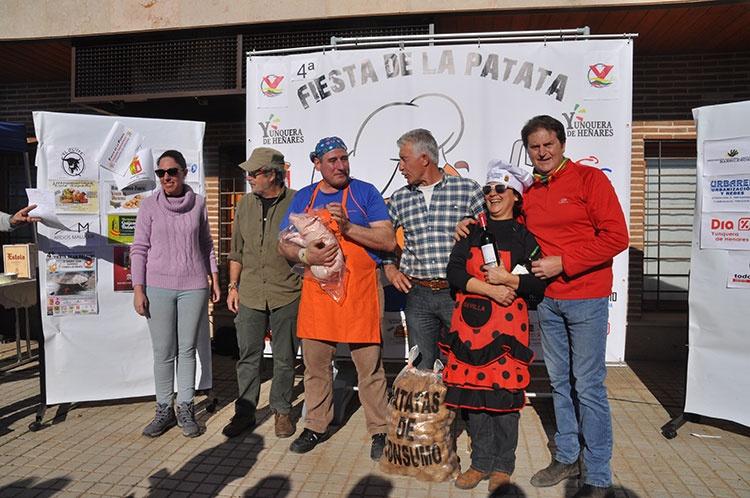 Entrega del primer premio de la Fiesta de la Patata de Yunquera