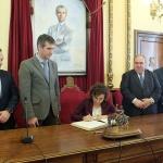 Román plantea a la ministra Montserrat la necesidad de poner fin a las fronteras en materia sanitaria