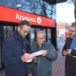 El PSOE recoge firmas para exigir mejoras en el servicio de Cercanías