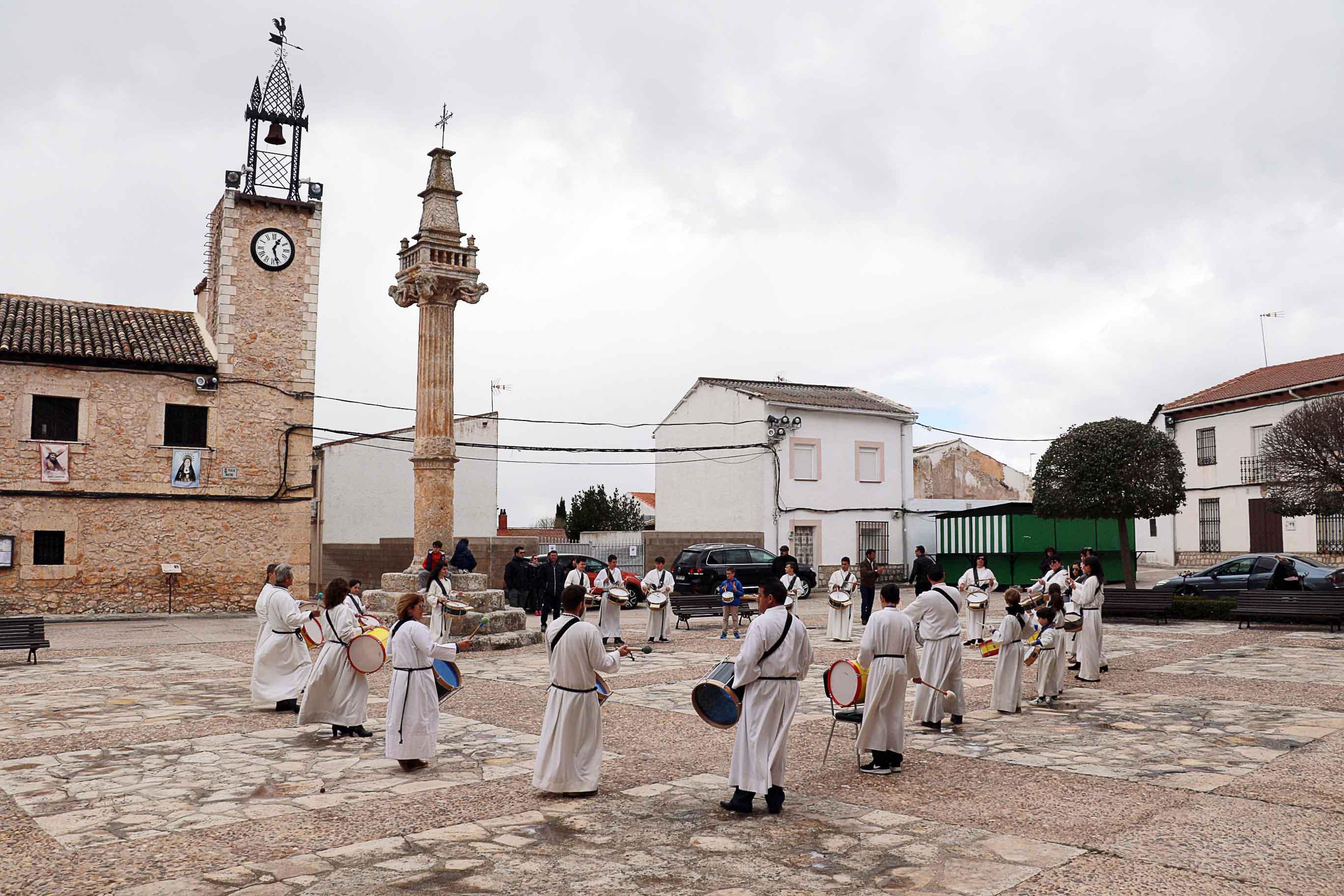 Tamborada en Fuentenovilla