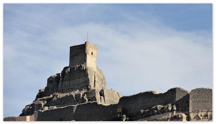 Al castillo de Atienza llegó la familia de Garci Bravo, para ocupar su alcaidía